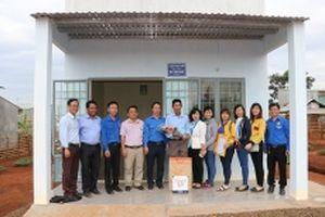 Trao 18 căn nhà tình nghĩa tặng hộ dân tộc thiểu số nghèo ở Bình Phước