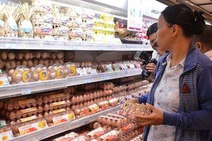 Trứng gà, vịt ở TPHCM được 'dán tem' xuất xứ
