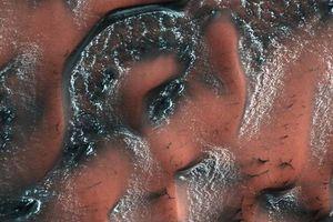 Phát hiện sông băng bí ẩn trên Sao Hỏa