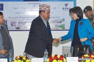 Trung Quốc tranh giành với Ấn Độ việc cung cấp internet cho Nepal