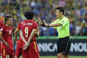 Những lần 'đụng độ' của bóng đá Việt Nam với trọng tài người Trung Quốc