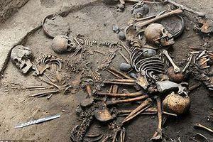 Phát hiện mộ cổ tập thể với cách mai táng kỳ lạ