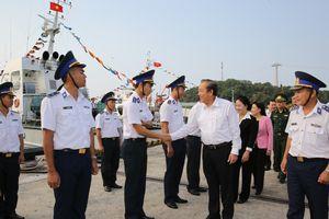 Phó Thủ tướng Trương Hòa Bình thăm các LLVT trên địa bàn Kiên Giang