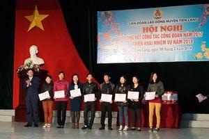 LĐLĐ huyện Tiên Lãng trao gần 70 suất quà cho CNVC, NLĐ hoàn cảnh khó khăn