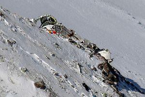 Đội cứu hộ vụ máy bay rơi ở Iran: '30 thi thể nằm la liệt trên tuyết'