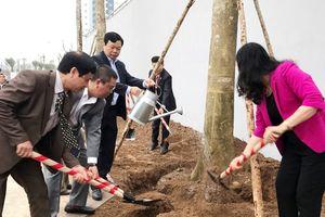 Huyện Thanh Oai phát động Tết trồng cây tại Khu đô thị Thanh Hà