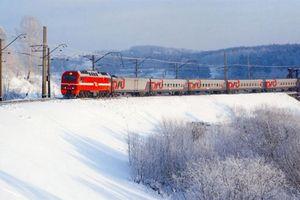 Chuyến tàu St.Petersburg - Murmansk thay đổi lịch trình vì một nữ sinh
