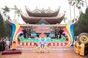 Toàn cảnh lễ khai hội Chùa Hương 2018 dưới mưa xuân