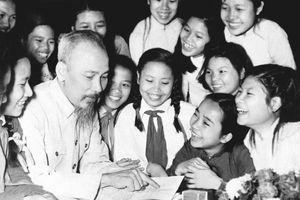 Tư tưởng Hồ Chí Minh về giáo dục: Học đi đôi với hành, lý luận gắn với thực tiễn