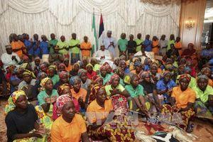 Nigeria giải cứu 76 nữ sinh sau vụ phiến quân tấn công trường học