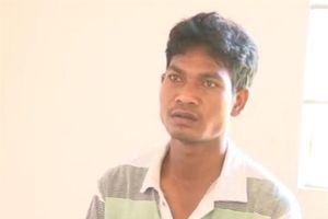 Trèo tường vào nhà vệ sinh nữ khống chế, cưỡng hiếp bé gái 14 tuổi