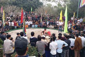Thừa Thiên Huế: Tưng bừng hội vật làng Thủ Lễ đầu năm mới