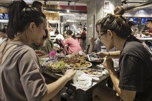 Dân Trung Quốc chi 146 tỉ USD mua gì dịp năm mới?