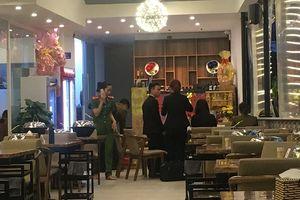 Nhà hàng bị tố 'chém' bữa ăn gần 10 triệu, xuất hóa đơn tiếng Trung