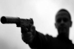 Truy bắt 2 'sát thủ' toan giết người bằng súng