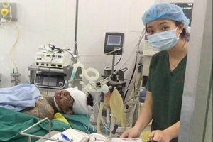 Mổ cấp cứu cho 2 người bị thương do hỗn chiến ở Sài Gòn
