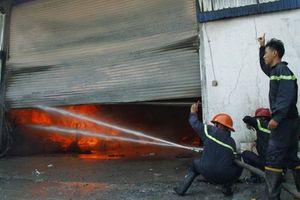 Bình Dương: Ngày vía thần tài 'bà hỏa' ghé thăm xưởng gỗ Mỹ Nghệ 3