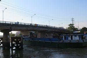 Phương tiện thủy nội địa' trốn' làm thủ tục rời cảng biển