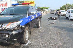 Xe gắn máy đối đầu xe Cảnh sát 113, đôi nam nữ bị thương nặng