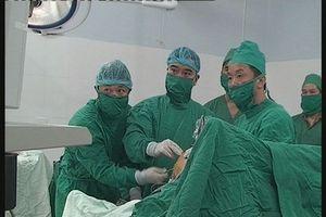 Bác sĩ góp tiền 'nuôi' người nhà bệnh nhân để họ đừng bỏ viện