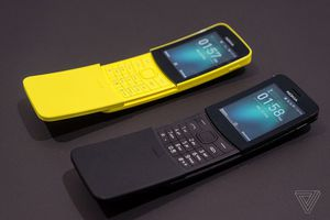 Cận cảnh phiên bản hồi sinh của Nokia 8110, hỗ trợ 2 sim, Wi-Fi, 4G