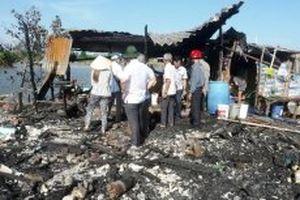 Hỗ trợ các gia đình có nhà bị cháy ở Sông Đốc