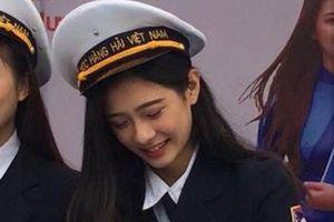 Nữ sinh Hàng hải bị chụp lén vẫn được khen xinh như sao Hàn