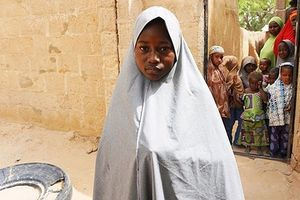 Trường học tan hoang khi 110 nữ sinh Nigeria mất tích