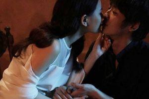 Gạ tình trong showbiz Việt: Phần nổi của tảng băng chìm