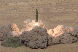Nga mang tên lửa Iskander-M đi tập trận, NATO đứng ngồi không yên