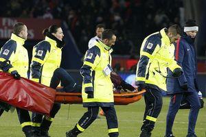 Neymar rạn xương bàn chân nhưng Emery quả quyết không cần phẫu thuật