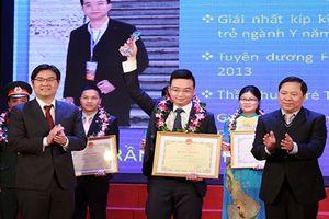 Vinh danh 10 y - bác sĩ xuất sắc tại giải thưởng Đặng Thùy Trâm