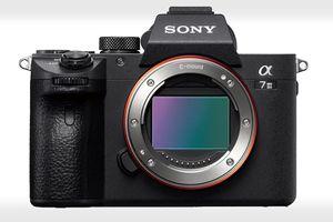 Máy ảnh Sony A7 III ra mắt: 693 điểm nét theo pha, chụp liên tiếp 10fps, giá 1.999 USD