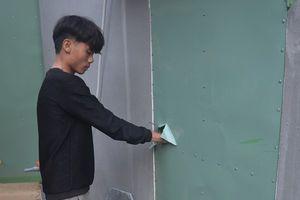Hai thanh niên 9X cắt tôn cửa, cạy mái ngói vào trộm tài sản