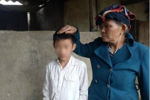Bé trai 12 tuổi bị bố dượng đánh nhập viện vì nghi trộm tiền của hàng xóm