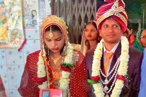 Kịp cưới vợ mới khi bị từ hôn ngay trong lễ cưới vì hói đầu