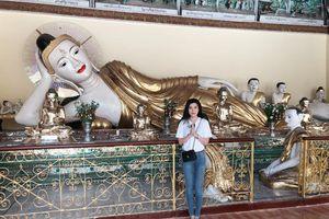 Sao Việt hành hương ngày đầu năm