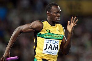 Tia chớp Usain Bolt lấn sân bóng đá