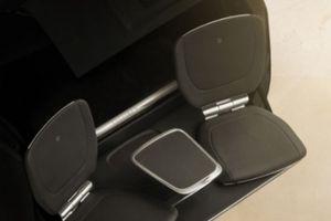Siêu SUV Rolls-Royce Cullinan có thêm 2 ghế sau khoang hành lý