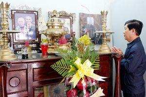 Trung tướng Nguyễn Văn Sơn thăm, chúc Tết các gia đình người có công