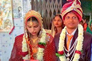 Bị hôn thê từ chối ngay trong lễ cưới vì lý do không tưởng, chú rể lấy luôn người khác làm vợ
