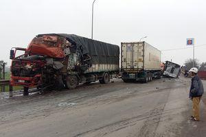 Hai vụ tai nạn giao thông, 1 người chết, 6 người bị thương