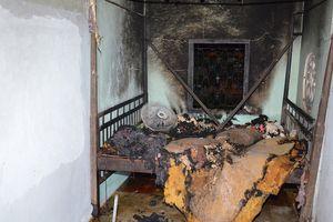 Phóng hỏa đốt cha vợ, vợ và con riêng của vợ