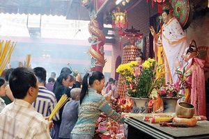 Kỷ luật Đảng cán bộ Kho bạc Nam Định đi chùa giờ hành chính