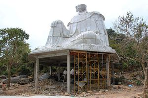 Xây thêm tượng Bà Chúa Xứ trên núi Sam, dân An Giang bức xúc