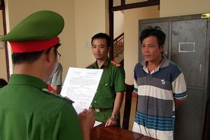 Bắt nhóm đối tượng phá rừng ở Đắk Nông