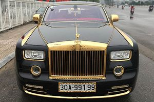 Nhìn lại loạt xe Rolls-Royce mạ vàng 'biển khủng' tại VN
