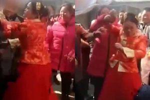 Cô dâu thẳng tay tát vào mặt khách mời và khi biết lý do ai cũng ủng hộ