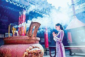 Vãn cảnh chùa Sài Gòn đầu xuân