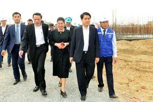 Chủ tịch Nguyễn Đức Chung kiểm tra tiến độ dự án Nhà máy nước mặt sông Đuống